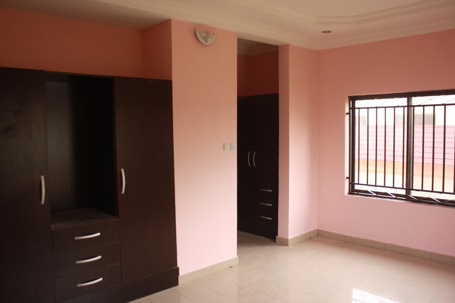 5 bedroom duplex at vgc